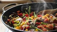 3 healthy cooking methods you shouldn t overlook bodybuilding com