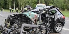 mort de voiture camion contre voiture un mort sur la rn59 vid 233 o perception