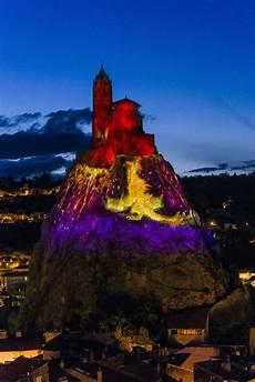 Puy De Lumiere Puy En Lumi 232 Res Rocher D Aiguilhe Un Volcan En Vid 233 O