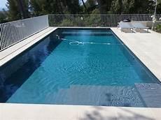 piscine coque grise une piscine b 233 ton grise anthracite marseille 8 232 me