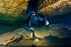 down the line freshwater cave diving