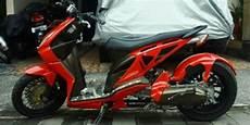 Modifikasi Lu Depan Motor Beat by Modifikasi Motor Honda Beat Low Rider Modifikasi