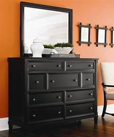Bureau Dresser Bedroom Furniture by Chatham 9 Drawer Bureau Lanscape Mirror By Bassett