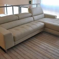 divani d occasione occasione divano in pelle color ghiaccio con penisola