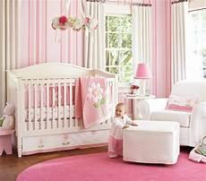 tapeten babyzimmer tapeten mit muster eine moderne einrichtungsidee