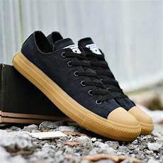 sepatu converseall star black gum color cl 009 omsepatu com