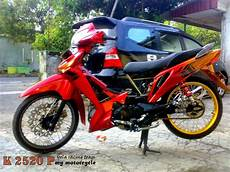 Supra X 125 Modifikasi by Modifikasi Motor Supra X 125 Warna Hitam Thecitycyclist