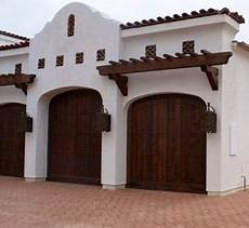 Garage Spanisch by Garage For Me Idea For Exterior Mock Garage Doors In