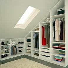 armoire sous comble les meubles sous pente solutions cr 233 atives archzine fr dressing sous combles amenagement
