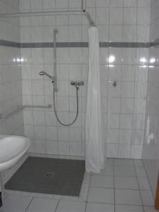 ebenerdige dusche und ebenerdige dusche und waschmaschinenanschluss haus