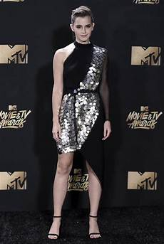 See The Best Carpet Looks From The 2017 Mtv Tv