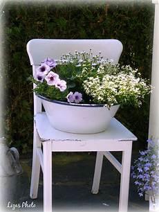 Alter Stuhl Mit Blumen Alte St 252 Hle St 252 Hle Garten Deko