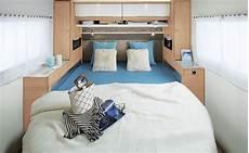 cing car avec lit central cing car int 233 gral mc740 s 233 rie traveller avec lit