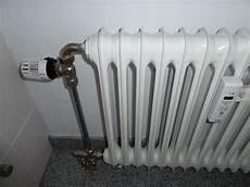 Heizung Entlüften über Thermostat - frage an die heizungsfachleute heizk 246 rper abklemmen