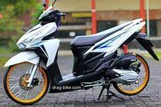 Babylook Vario 125 by Modifikasi Honda Vario 125 Airbrush Anime Desain Motos