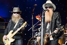zz top zz top bring a hell of a show to dte energy theatre city slang