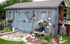 idee d abris de jardin construire abri de jardin en bois plan abri de