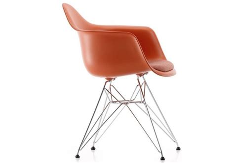 Eames Plastic Armchair Dar Poltrona Con Cuscino Vitra