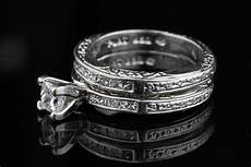 pre owned diamond and platinum wedding ring
