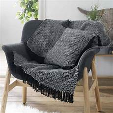 jete de canape jet 233 de canap 233 150 cm delios noir d 233 co textile eminza