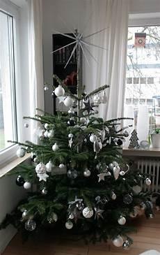 Weihnachtsbaum Rot Weiß Geschmückt - wunderland our tree
