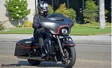 Harley Davidson Cvo Glide Image 2018 harley davidson cvo glide review ride