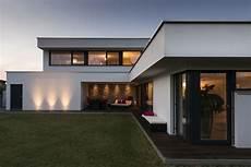haus ideen modern einfamilienhaus rankweil modern massivbau l form