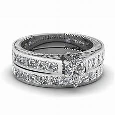 pear shaped diamond wedding ring sets with white diamond