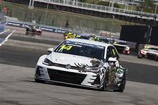 vw cer tcr russia race winner joins for tcr europe finale tcr hub