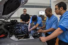 shortage of auto mechanics has dealerships taking action the new york times