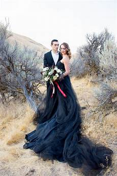 20 beautiful and bold black wedding chic vintage brides