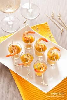 bicchieri plastica finger food mini verrine di vellutata di zucca al cumino e gamberi