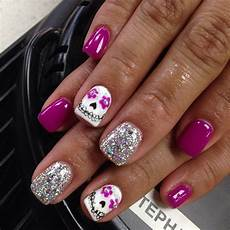 cute girly halloween nails diadelmuerte nails