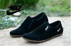 Nike Slop Cowok Sepatu jual nike slip on sepatu casual pria nike slop suede