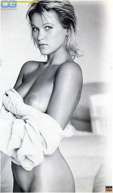 Yifei Nude Photo