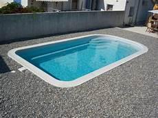 piscine coque grise piscine grise 224 margelle blanche piscine coque
