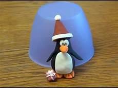 Salzteig Figuren Formen - figuren modellieren pinguin mit weihnachtsm 252 tze schritt