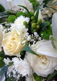 couronne de fleurs deuil blanche livraison toulouse