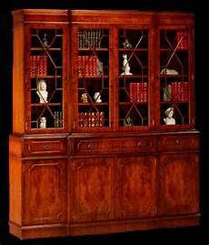 bibliothèque anglaise meuble bibliotheque anglaise 4 portes corps avance en ronce d