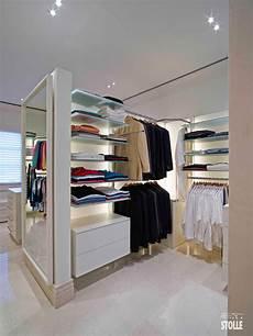 begehbarer kleiderschrank regalsystem unser schranksystem passt sich jedem raum an und