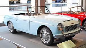 A Pictorial History The World's First Metrosexual Car