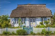 reetdachhaus ostsee kaufen poster reetdachhaus an der ostsee ostsee reetdachhaus
