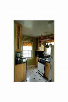need help choosing paint color in kitchen