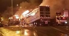 accident on highway 40 st louis today video showing massive truck accident on highway 40 today in montreal mtl blog