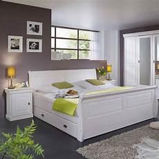 schlafzimmer weiss komplett schlafzimmer im landhausstil janeira i wohnen de