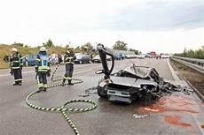 Unfall A8 Gestern - unfall auf der a8 bei neuhausen lamborghini kracht in