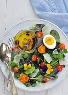 les fleurs comestibles salade entr 233 e fleurs