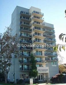 Low Income Apartments Oakland Ca by Santana Apartments Oakland 2220 10th Ave Oakland Ca