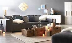 Sch 246 N Graues Sofa Wandfarbe Cognovant And Hellgraues