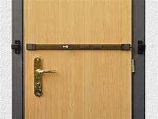 rinforzare porta spranga per porte e finestre ferramenta a como